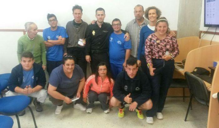 CHARLA POLICIA NAC CO TAB